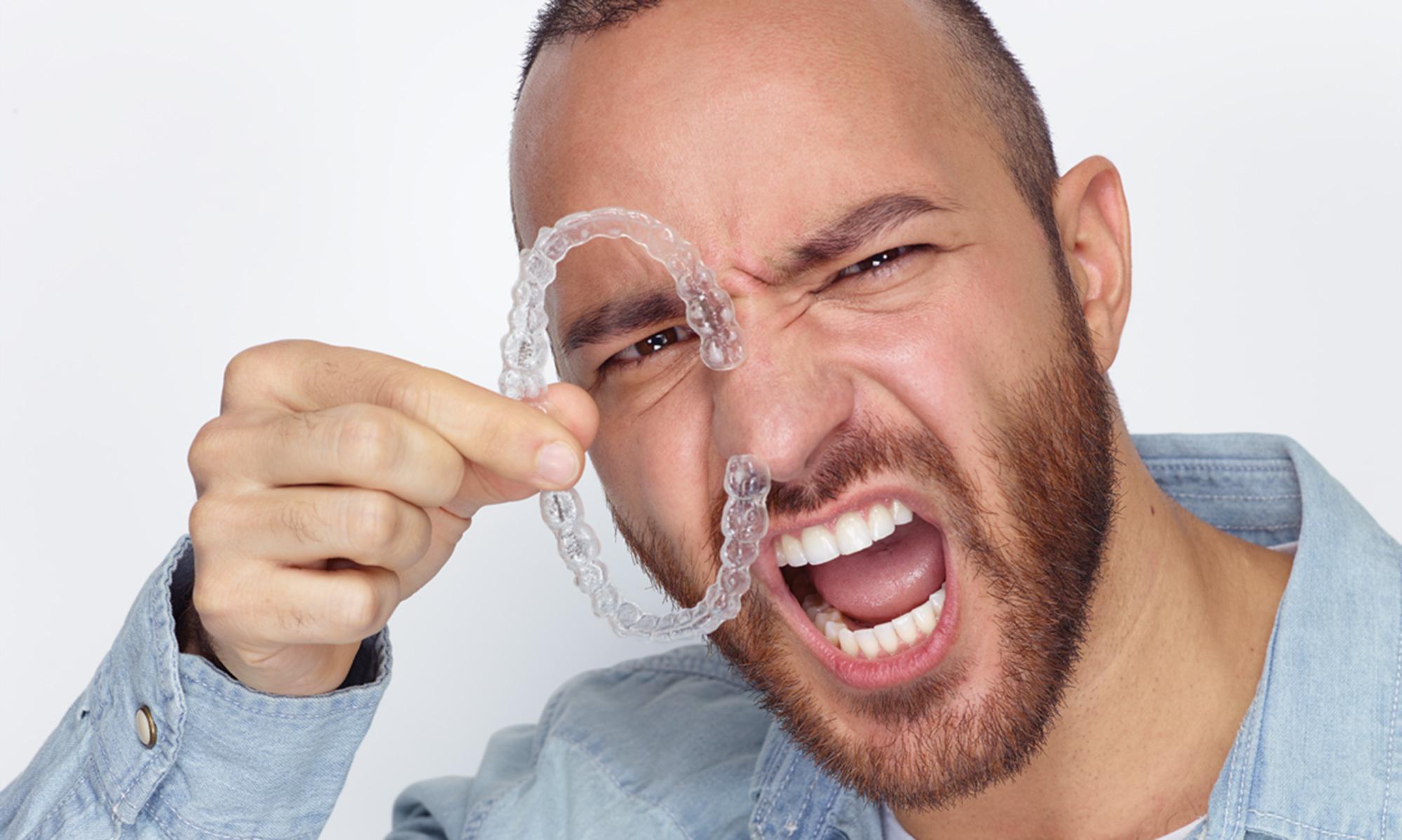 Zahnarzt Dr. Alexander Krone, Zahnästhetik mit Invisalign® Go vom zertifizierten Anwender